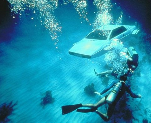 james-bond-lotus-esprit-sous-marin-007